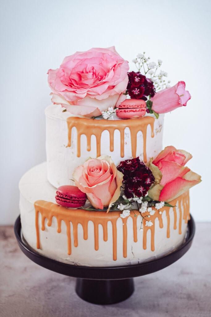 Zweistöckige Hochzeitstorte selbst backen